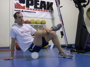 Rolling the glutes will help loosen the hips, which will improve mobility and reduce fatigue
